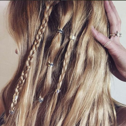 perfect festival hair using regal rose hair bead clickers