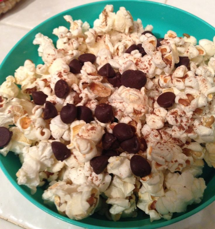 popped popcorn with cinnamon and 1 tbsp of dark chocolate chips - team taralynn meal plans