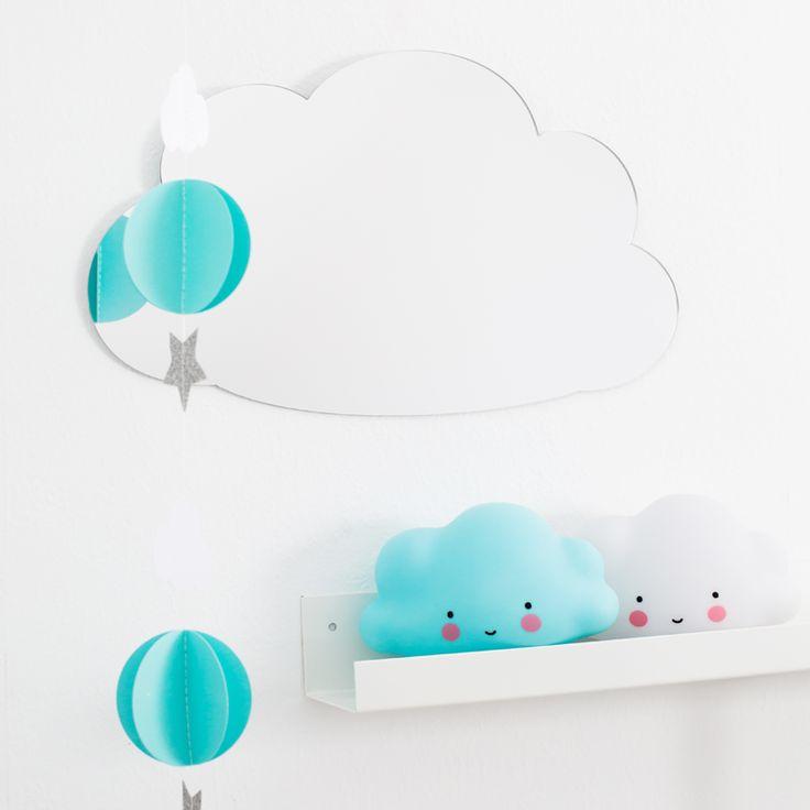 Zuckersüßer Kinderspiegel, Wolke, 40 x 23 cm, aus Plexiglas, von A Little Lovely Company
