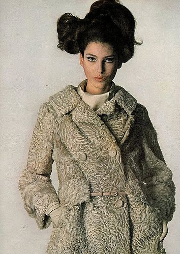 Benedetta Barzini in Ben Kahn, 1965.  Photo Irving Penn