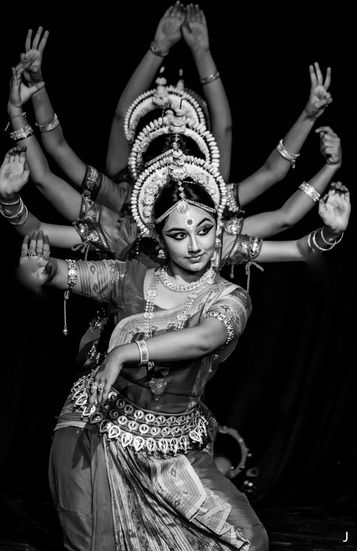 Odissi performance by Sujata Mohapatra. The dance featured is Mangalacharan (Ganesha Vandana)