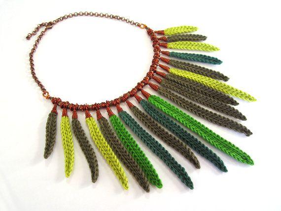 Ganchillo, collar, collar de hojas, collar de fibra, collar de algodón, collar de colgantes, declaración collar, regalo para ella, alambre de cobre, boho chic, verde