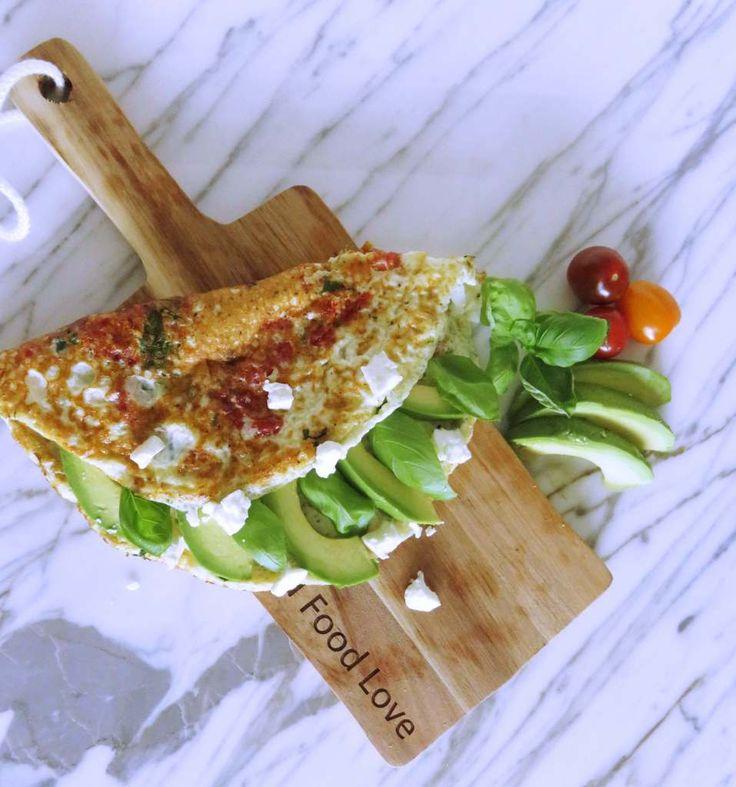 Zo eens in de twee weken plaatst Goodfoodlove een recept op de blog van Feel Better Fitness. Deze keer? Goed en gezond lunchen met eiwit omelet met avocado en feta, perfect voor na het sporten als herstelvoedsel. Lekkur! Vind jij het ook zo lastig om te bepalen wat je het beste kunt eten voordat je …