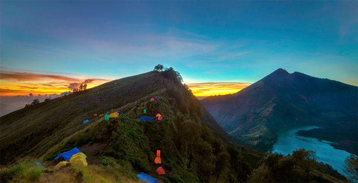 Senaru ketinggian 2641 meter gunung rinjani
