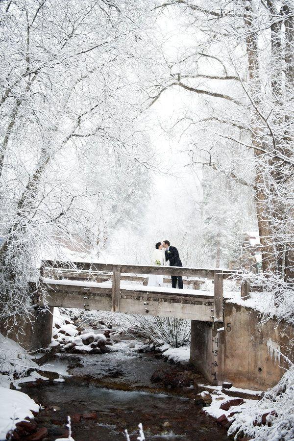 26 Snowy Photos That Capture The Romance Of Winter Winter Wedding