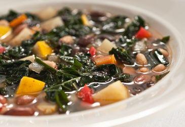 Spicy grønnsaksuppe