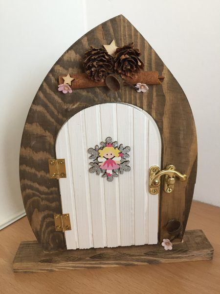 Christmas wish lodge wooden elf and fairy door decoration for Idea behind fairy doors