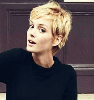 Super cute pixie. Kind of shaggy but still very feminine. I'm thinking about a pixie cut...