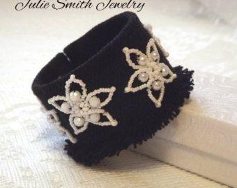 Dril de algodón reciclado brazalete pulsera por JulieSmithJewelry