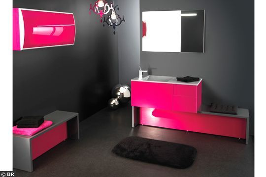 flashy pour un reveil punchy photo dr ensemble compose d un meuble salle de bain. Black Bedroom Furniture Sets. Home Design Ideas