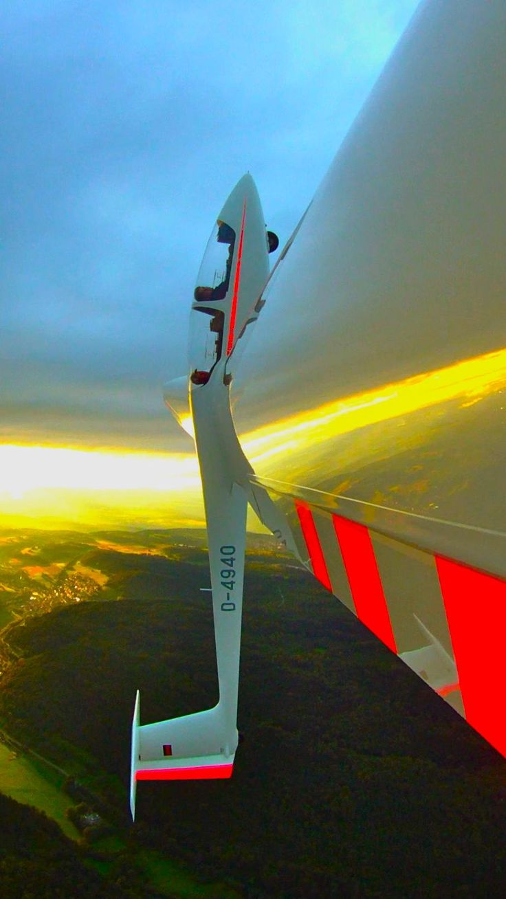 Sailplane aerobatics combined with an awesome sunset. One of the funnest things I did while an Army flight instructor at Ft Stewart just outside Savannah Georgia, is to spend a day up state getting qualified in sailplanes. Very, very quiet for a pilot of powered aircraft.