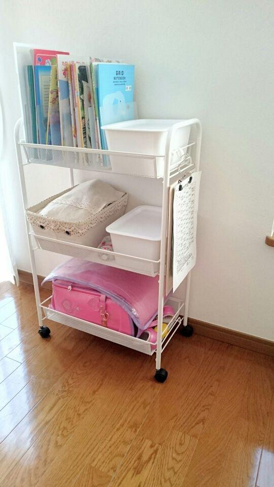 Ikeaのワゴンをランドセル置き場に 無印 ダイソーグッズで学校準備を強化 Simple Natural Home ランドセル置き場 こども部屋 収納 子ども部屋 収納
