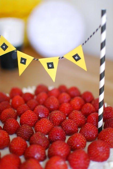 DecoDreamer's Diary: cake, decoration, party, flag, banner, kakku, koristelu, juhlat, lippu, viiri