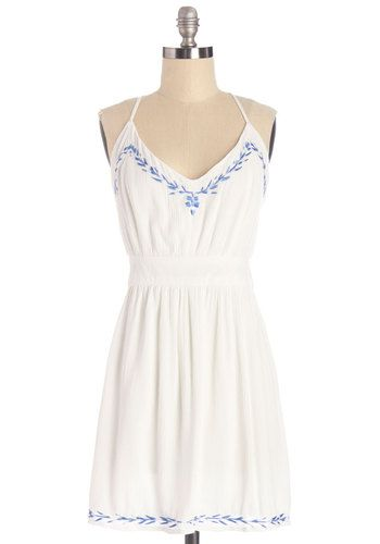 Pasture Prefixe Dress. A farm-fresh first course is even more delicious when enjoyed in this white dress. #whiteNaN