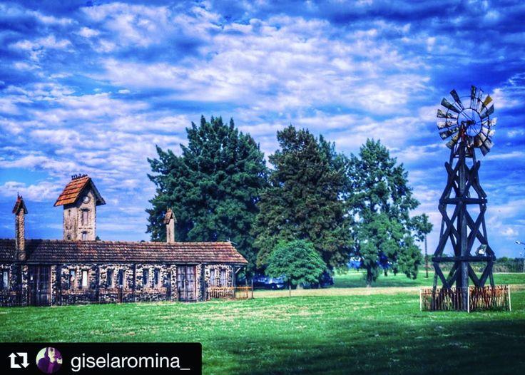 #Repost @giselaromina_ ・・・ #argentina360 #desdesargentina #descubriendoigers #ig_latinoamerica #cityphotography #citykillerz #bairesgrams #exploreeverything #exploretocreate #way2ill #2instagood #postalesdeinstagram #agameof10k #agameoftones #ig_captures #comunityfirst #primerolacomunidad #igmoment #loves_united_argentina #loves_buenosaires #ig_buenosaires #ig_argentina #urbanosaires