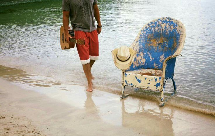 Kenny Chesney @ old blue chair bay...