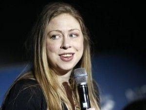 Stanley Roy informa: Hija de Bill y Hillary Clinton cobra 75.000 dólare...