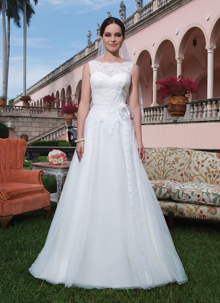 22 best 2015 Wedding Dresses images on Pinterest | Wedding frocks ...