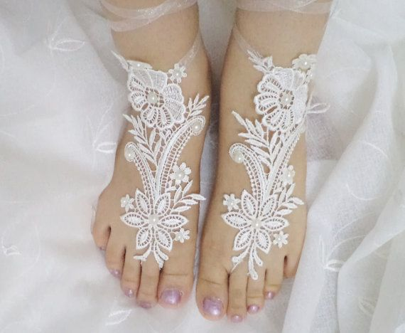 Shoes Bridal Accessories nude shoes Wedding Shoes door BloomedFlower, $26.00
