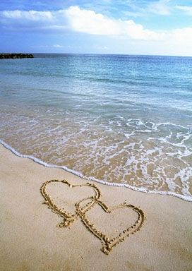 Beach love ~ I can remember drawing in the sand when I was younger & I still do!