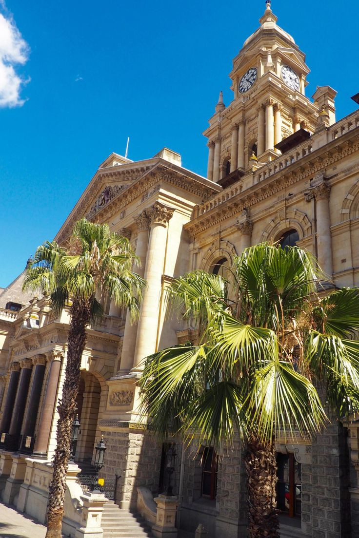 We also passed the honey-hued Cape Town City Hall,