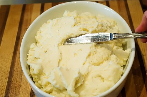 The most Delicious, Creamy Mashed potatoes from The Pioneer Woman (has cream cheese & 1/2 & 1/2, butter & seasoned salt)