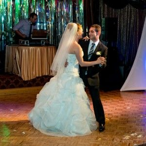 Wedding dance classes - Your wedding dance is one of the sweetest and most romantic component on your wedding day. We invite you to visit our professional wedding dance classes in Richmond Hill to help you and your significant other to make the most out of your very first husband-and-wife dance.