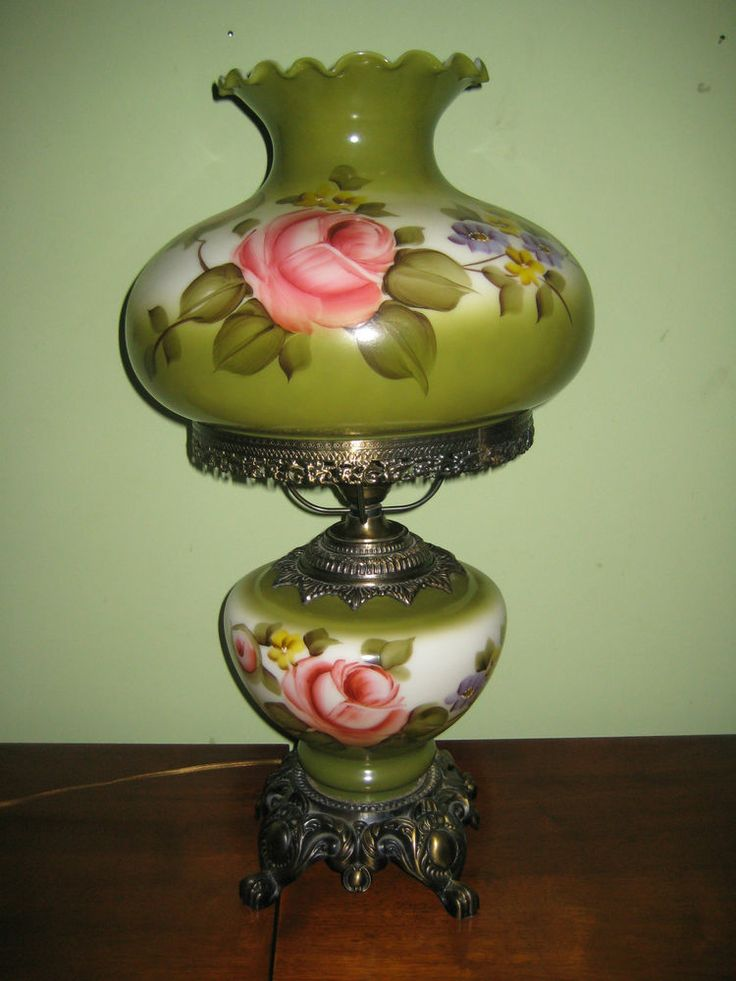 Vintage Painted Glass Green Lamp Ducks