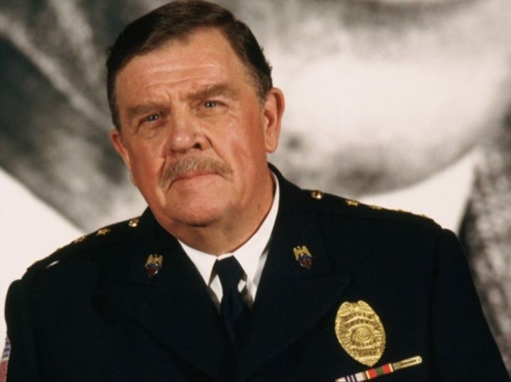 Pat Hingle's James Gordon