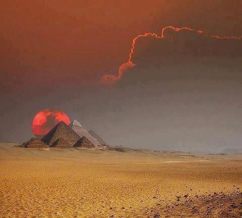 Fantastic shot. The Egyptian pyramids.