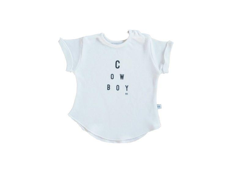 Maglietta dal tessuto super morbido e traspirante. Garantisce il massimo del comfort per la pelle del piccolo. La fibra di bambù ha incredibili caratteristiche antibatteriche, anallergiche e protegge dai raggi UV.  Disponibile nelle taglie: 1M - 3M - 6M e con quattro differenti e simpatiche stampe.     #Bamboom #organicbamboo  #babyclothes #babyfashion #organicbaby #babygirl #babyboy #babydress #momtobe #neonati #newborn
