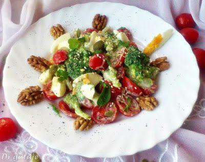 Di gotuje: Sałatka brokułowa  na chrupiąco (z orzechami, seza...