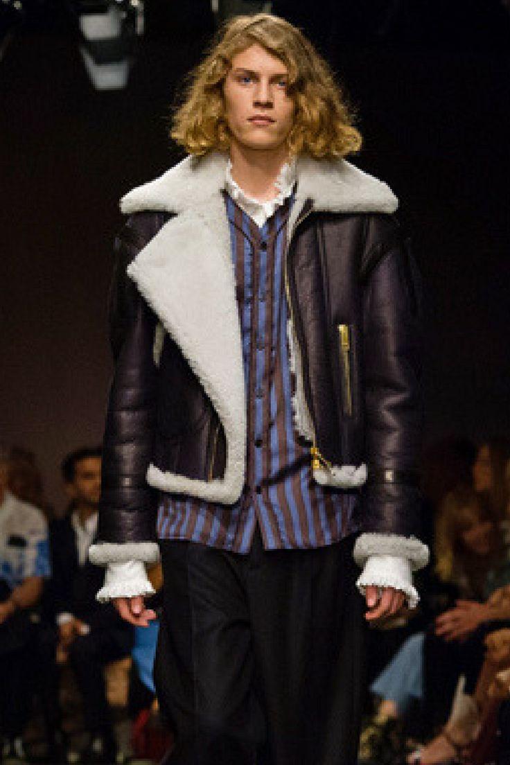 バーバリーが「See Now, Buy Now」を現実に──ショー終了直後にコレクションを販売  http://gqjapan.jp/fashion/news/20160929/burberry-september-collection-2016#pages/18