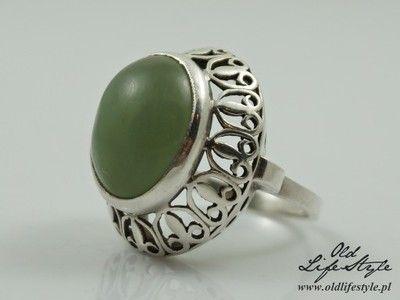 Ogromny pierścionek Warmet - lilijki, jadeit