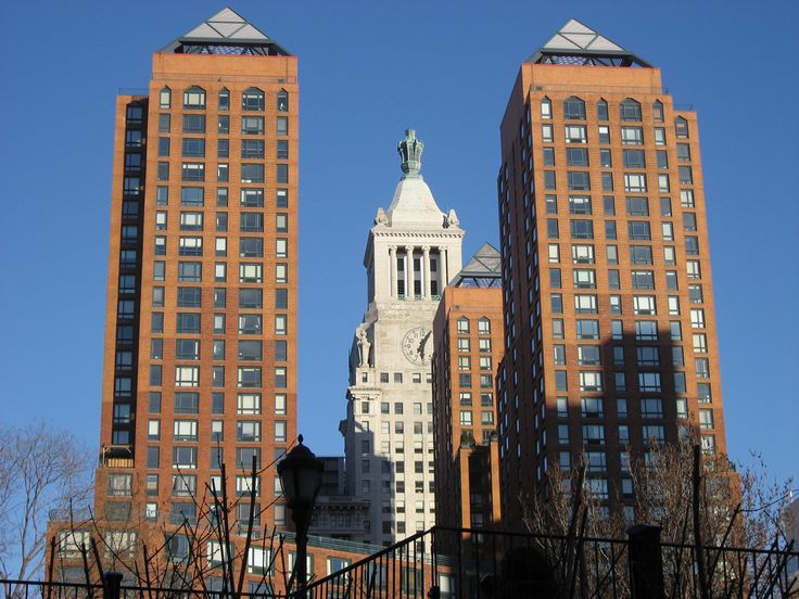 Midtown Manhattan, New York City, New York, USA. The brown buildings are the Zeckendorf Towers at 1 Irving Place & E. 14th  str