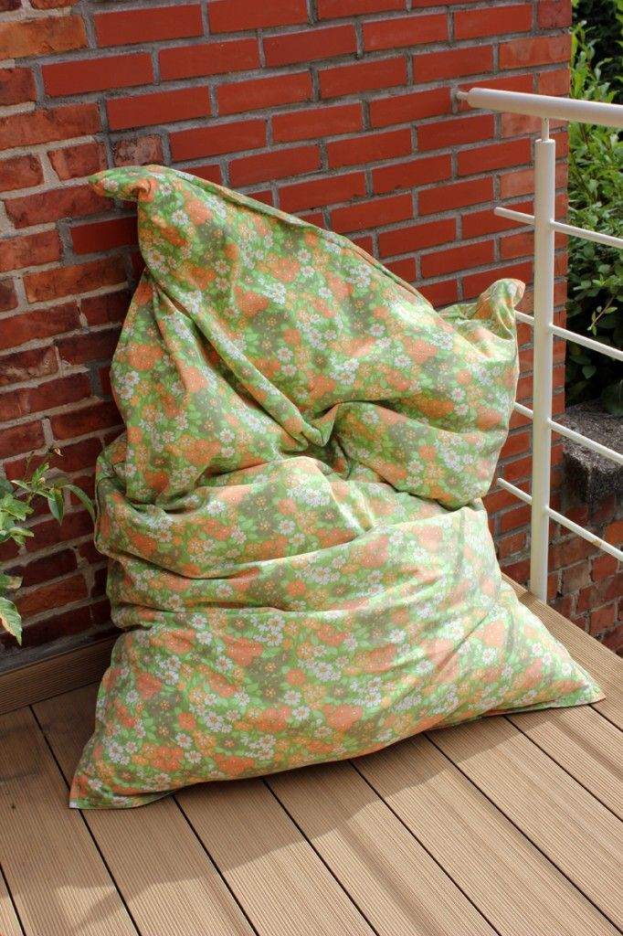I Made Myself A DIY Bean Bag By Recycling On Old And Turning It Into Giant Garden Pillow