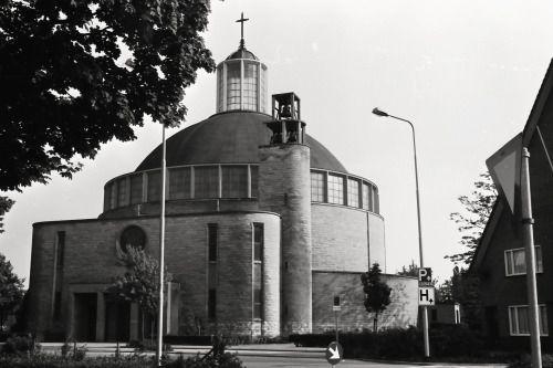 """germanpostwarmodern: """"Church """"Heilige Geest"""" (1955-63) in Roermond, the Netherlands, by F.P.J. (Fritz) Peutz """""""