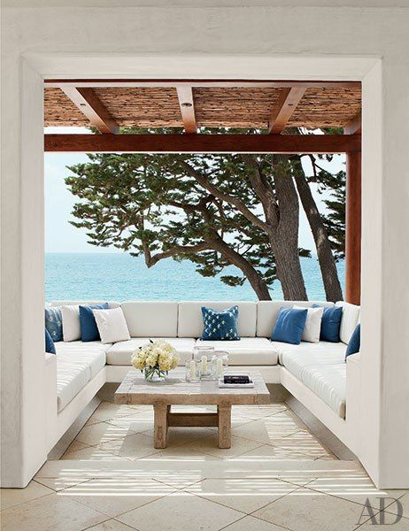 What an amazing porch/balcony area