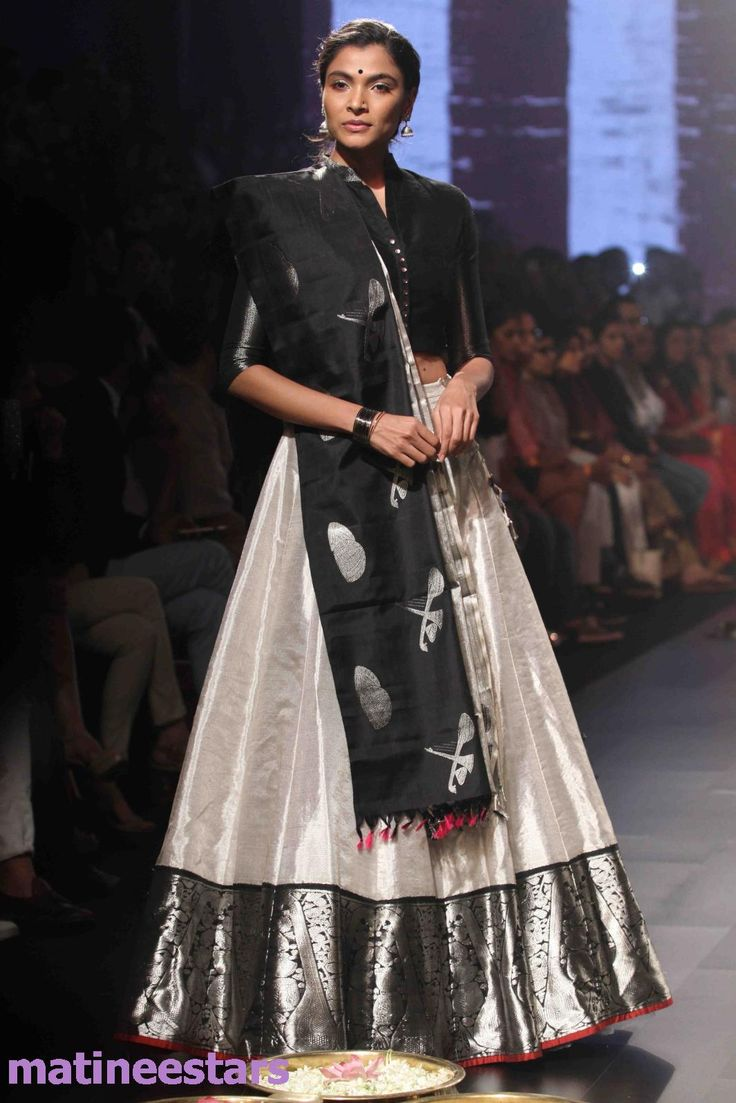 Models Walks For Santosh Parekh At Lakme Fashion Week Winter Festive 2016 - Hot Models Photo Gallery - High Resolution Pictures 35