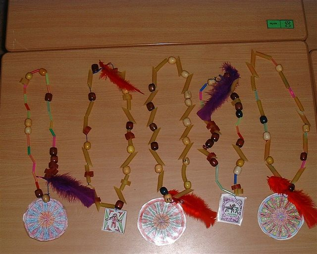 indianenketting: thema indianen, carnaval