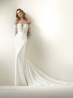 Dracma: Two-piece effect wedding dress with plain mermaid skirt - Pronovias | Pronovias