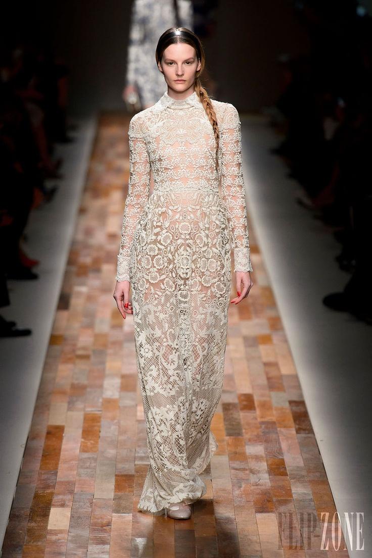 Valentino - Ready-to-Wear - Fall-winter 2013-2014 - http://en.flip-zone.com/fashion/ready-to-wear/fashion-houses-42/valentino - ©PixelFormula