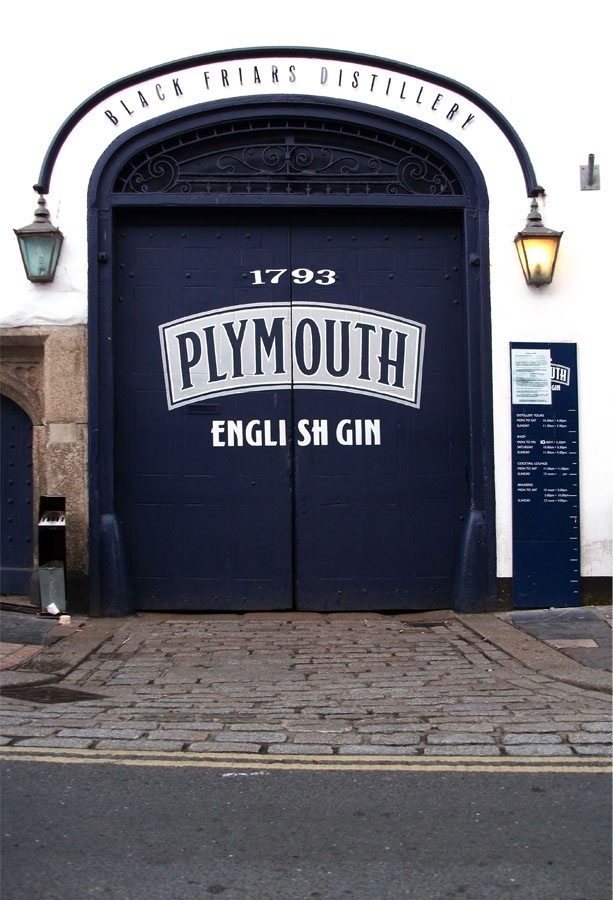 The Plymouth Gin Distillery is the oldest working gin distillery in England and is located in the heart of the historic port city of Plymouth. (via lucianzamfir.com)