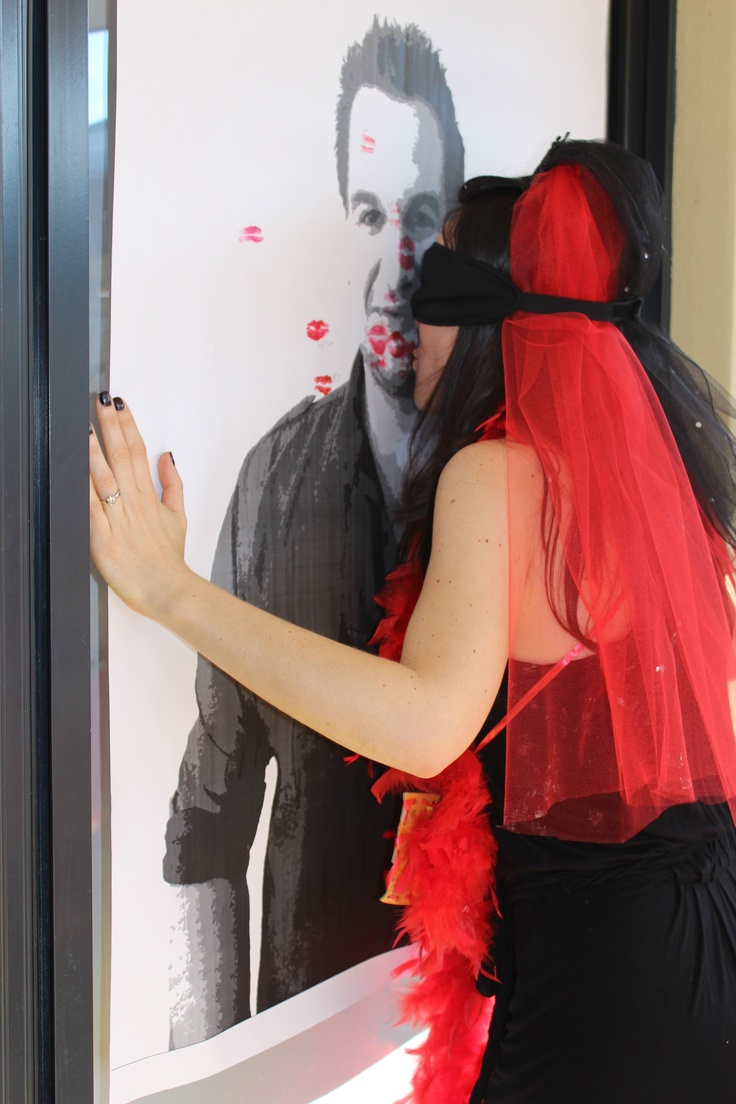 Kissing game with a poster of the Hen's favourte heartthrob  - everyone put red lippy on and blindfold