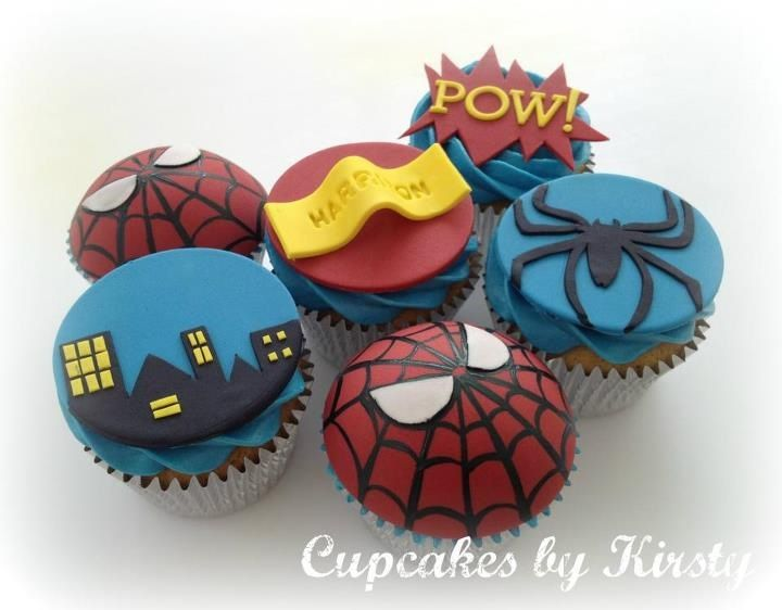 Spiderman Cupcakes. I definitely have to do this for my little Spiderman.