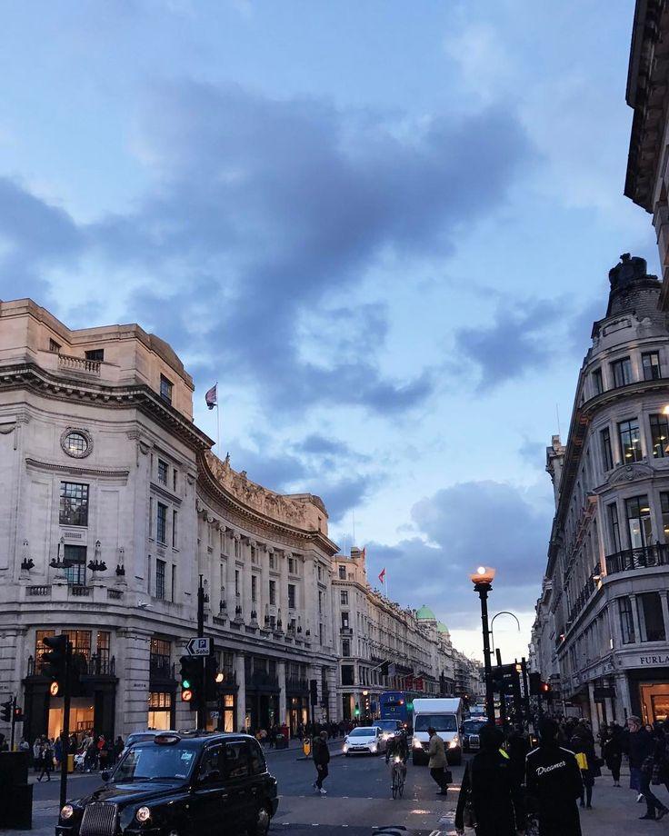 Yesterday was much nicer! Londres sendo linda (ontem, porque hoje está sendo chuvosa mesmo). Vic Ceridono | Dia de Beauté