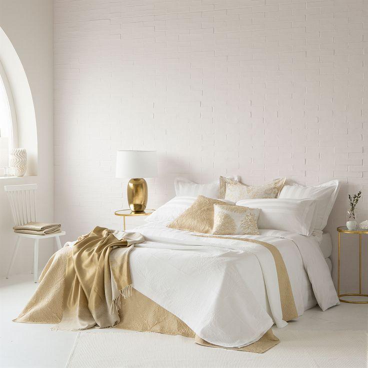 les 25 meilleures id es de la cat gorie couvre lit corail. Black Bedroom Furniture Sets. Home Design Ideas