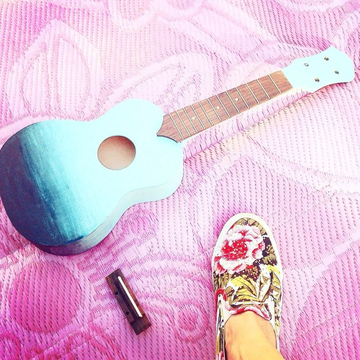 17 best handpainted diy ukelele images on pinterest painted ombre handpainting painting ombre decoration diy ukelele mintombre mint solutioingenieria Image collections