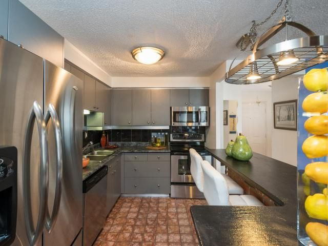 363 Colborne St #2003, London Ontario -   Large 1-Bedroom Downtown Condo with 2 Full Bathrooms on the 20th Floor! -   http://www.LondonOntarioRealEstate.com/listing/cms/363-colborne-st-2003-london-ontario/