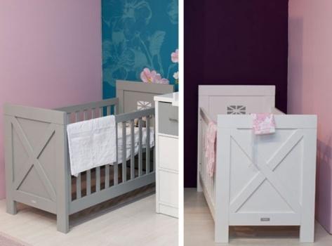 Alleen de beste 25 idee n over babykamer meubelen op pinterest kwekerij meubilair babykamer - Exotisch onder wastafel houten meubilair ...